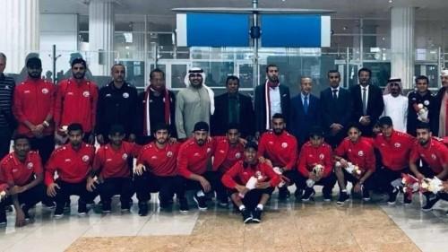 بعثة المنتخب اليمني تصل أبوظبي في آخر محطات الاستعداد لكأس آسيا