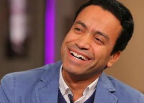الفنان سامح حسين يقدم رواية كانديد في عمل مسرحي جديد