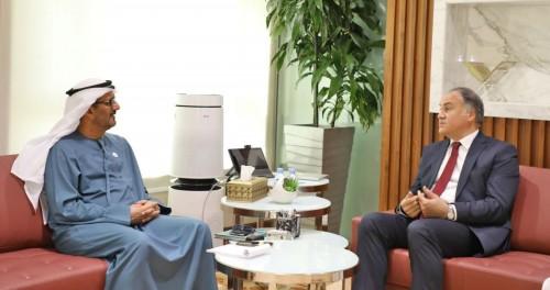 وزير التعليم الإماراتي يتلقي نظيره التونسي