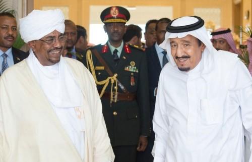 الملك سلمان يهنئ الرئيس السوداني بذكرى استقلال بلاده