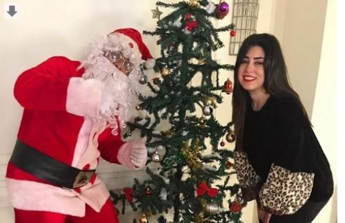 الفنانة آيتن عامر تحتفل برأس السنة مع بابا نويل