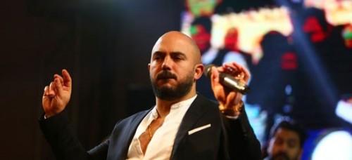 """محمود العسيلي يتألق في حفله برأس السنة """"صور"""""""