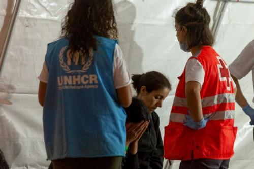 مفوضية اللاجئين تناشد بتوفير موانئ آمنة لـ 49 لاجئا تم إنقاذهم
