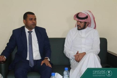 البرنامج السعودي لإعمار اليمن يتابع سير المشاريع التنموية