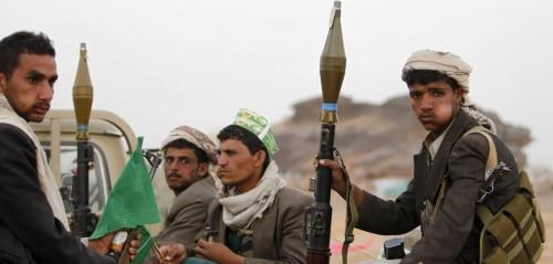 الحوثيون يعترفون بسرقة المساعدات الإغاثية السعودية (فيديو)