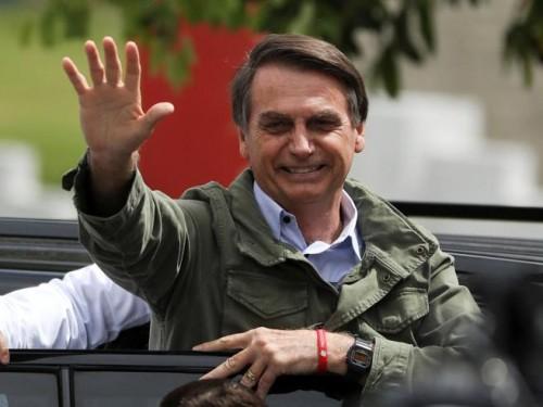 """رئيس البرازيل الجديد يعلن خطة """" خصخصة """" مطارات وموانئ بحرية"""