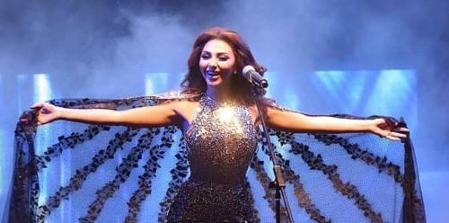 ميريام فارس تثير الجدل في حفلتها بأبو ظبي بسبب معجب