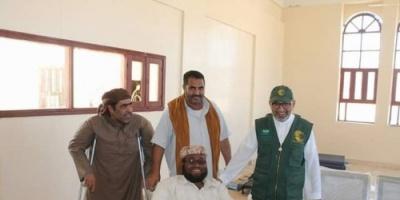 مدير مكتب مركز الملك سلمان للإغاثة يلتقي بالمعاقين في المهرة (تفاصيل)