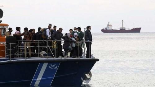 50 مهاجرًا في المتوسط ينتظرون موافقة الدول الأوروبية على استقبالهم