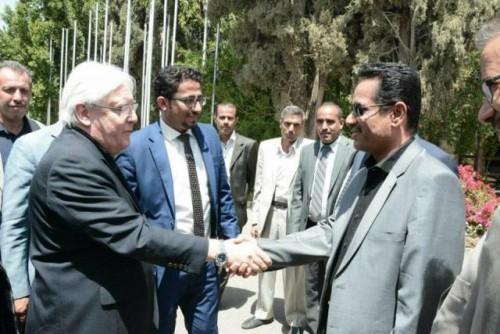 من شأنه إلغاء اتفاقية السويد.. الحوثي يفاجأ المبعوث الأممي بهذ الطلب