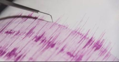 زلزالا شدته 6.6 درجة يضرب إندونيسيا