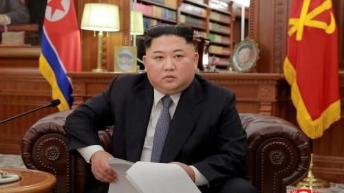 """زعيم كوريا الشمالية يغادر إلى الصين لعقد """"لقاء قمة"""""""