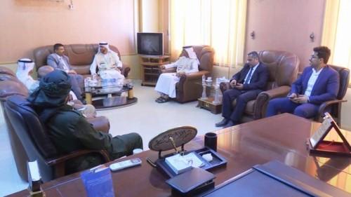 محافظ عدن يناقش مع الهلال الإماراتي توسيع مجالات الدعم للعاصمة