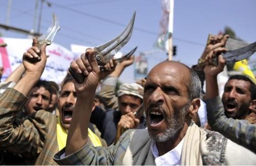 بالوثائق.. الحوثي يحقق المليارات من سرقته للغاز في محافظة المحويت