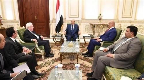 بالتفاصيل.. هذا ما دار في لقاء الرئيس هادي بالمبعوث الأممي مارتن غريفيث بالرياض