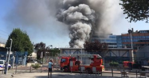 إصابة 19 شخصا بينهم اثنان فى حالة خطيرة جراء حريق بفرنسا