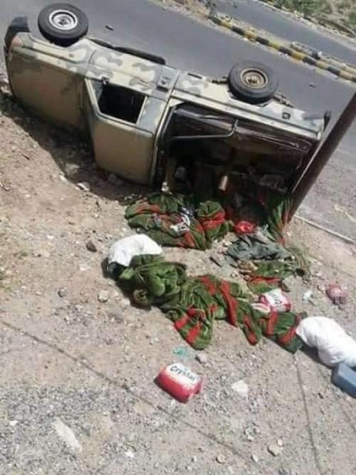 انقلاب طقم عسكري كان يقل مصابي هجوم العند (صورة)