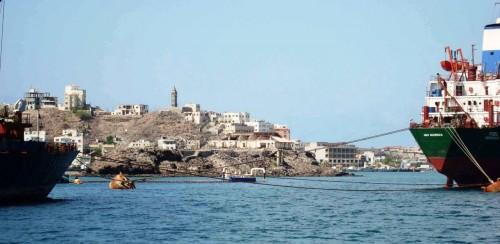 """موانئ خليج عدن ترد على """"لوكوك"""" بشأن قدرتها على استيعاب الشحنات الإغاثية"""