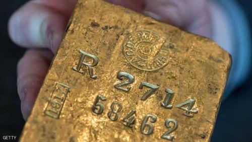 الذهب يتراجع بتعافي الدولار الأميريكي