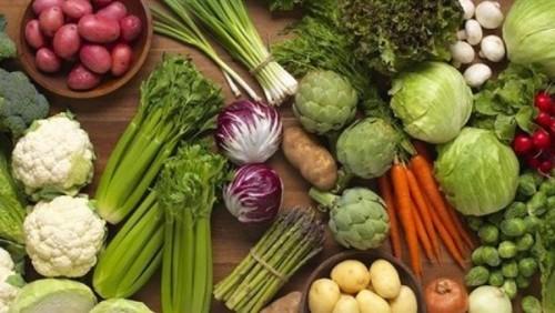 تعرف على أسعار اللحوم والأسماك والفواكه والخضروات بحضرموت