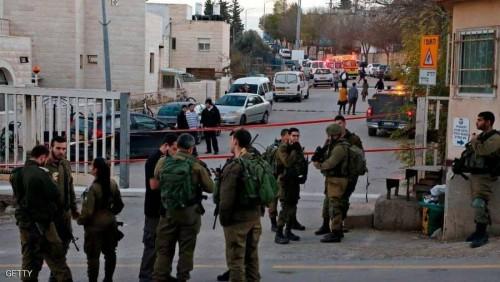 الجيش الإسرائيلي  يصيب شابًا فلسطينيُا بجروح بالغة