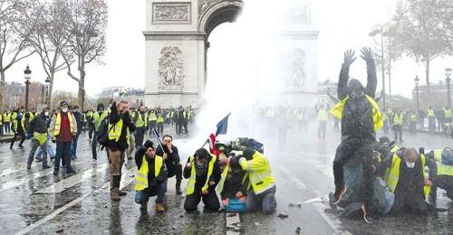سقوط جرحى جراء اشتباكات بين الأمن ومتظاهرين بباريس