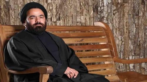 """بسبب انتقاده لـ""""خامنئي"""".. الحكم بخلع عمامة رجل دين إيراني بارز"""