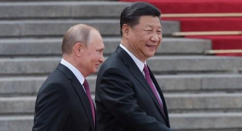 مجلة أمريكية: تعزيز العلاقات الروسية الصينية أصبح كابوسًا للولايات المتحدة