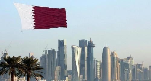 شاهد.. قطري يعتدي بالضرب على شاب آسيوي
