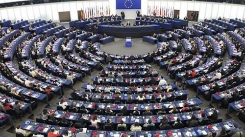 أكاديمي يلخص العلاقة المتوترة بين إيران وأوروبا