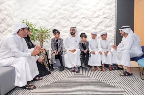 بن راشد يلتقي أسرة إماراتية لهذا السبب
