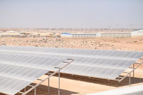 معلومات بشأن محطة الطاقة الشمسية في مخيم الأزرق بالأردن