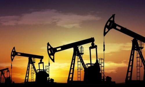 هبوط أسعار النفط متأثراً بتراجع التجارة الصينية