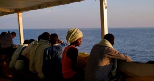 إسبانيا ترفض رسو إحدى سفن الإغاثة بميناء برشلونة