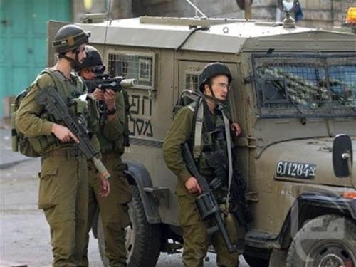 مواجهات عنيفة بين الاحتلال الإسرائيلي والفلسطينيين بوسط الضفة الغربية