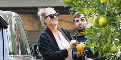 سر حب النجمة العالمية كيت إبتون لليمون