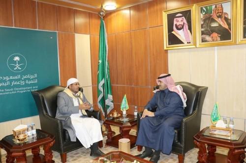 وزير الأوقاف يناقش مع السفير السعودي إجراءات العمرة والحج للعام الجديد (تفاصيل)