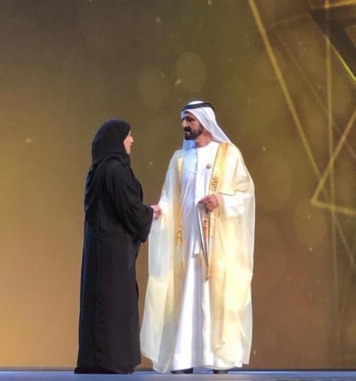 الحمادي يهنئ الفائزين بجائزة دبي للأداء الحكومي المتميز