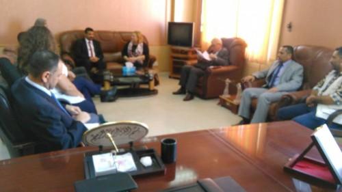 محافظ عدن يستقبل وفد سفراء الاتحاد الأوروبي