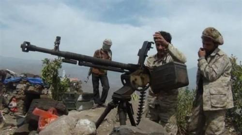 مقتل وإصابة عناصر حوثية في جبهة حمك بالضالع