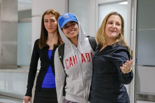 صحفي كويتي يطالب كندا بالاهتمام بالفتاة السعودية رهف