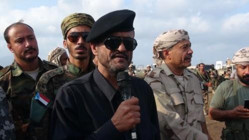 شاهد.. مدير أمن عدن يغني للانتصارات على الإرهاب