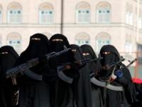 المسوري يحذر من خداع فتيات الحوثي للناشطين