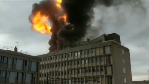 وزير الداخلية الفرنسي: وفاة اثنين من رجال الإطفاء في انفجار ليون