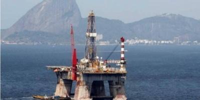 النفط يستقر وسط مخاوف من ضعف الطلب العالمي