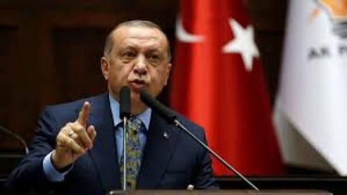 السلطان وأردوغان.. العثمانلية على أشكالها تقع (انفوجراف)