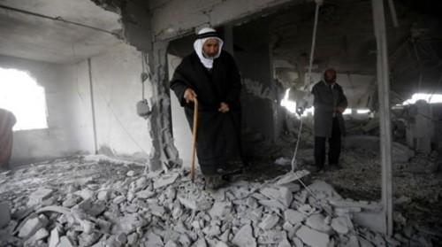 الاحتلال الإسرائيل يفجر منزل معتقلاً فلسطينياً بالضفة (صور)