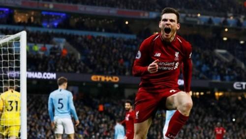 ظهير ليفربول يمدد تقاعده حتى 2024