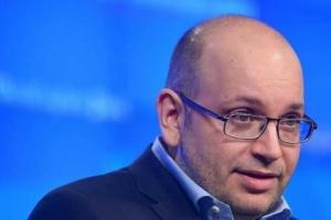 صحفي أمريكي يفضح ممارسات النظام الإيراني ضده بعد اعتقاله