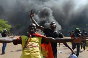 رئيس بوركينا فاسو يقبل استقالة حكومته